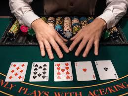 Strategi Permainan Poker Yang Berujung Keuntungan