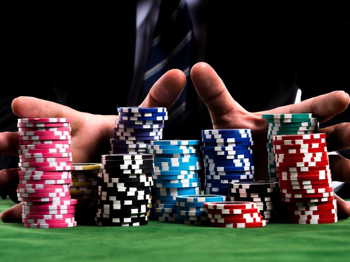 Permainan Poker Memberi Peluang Kemenangan Besar